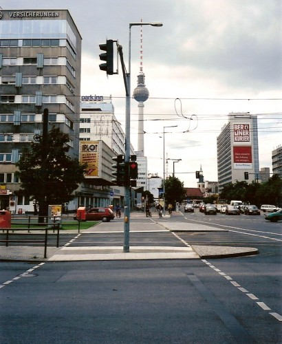 4BerlinAlexanderPlatz.jpg